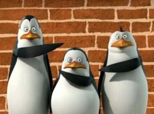 """ketika hal buruk terjadi.. """"bukan gw yang salah, kok!"""", jawab ketiga penguin.. LAH IKI PIYE TOH??! xD"""