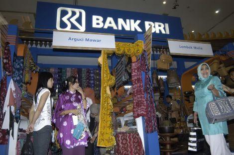 Bank Rakyat Indonesia terkenal dengan komposisi portofolionya yang lebih dari 80% adalah kredit untuk Usaha Mikro Kecil dan Menengah